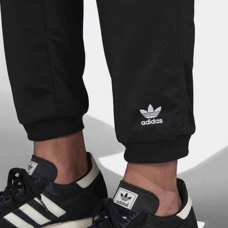 D.DEO ADIDAS TRACK PANTS M