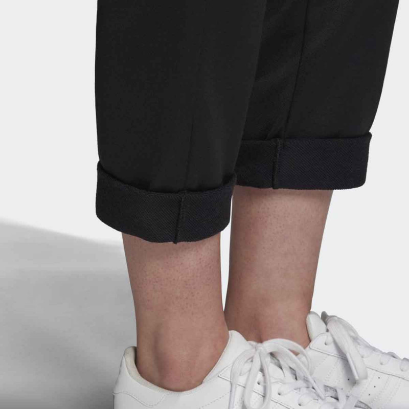 D.DEO ADIDAS TRACK PANT W