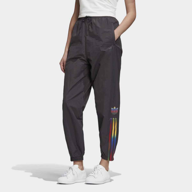 D.DEO ADIDAS TRACKPANTS W